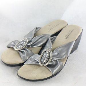 PREDICTIONS Complete Comfort Cross Strap Sandals